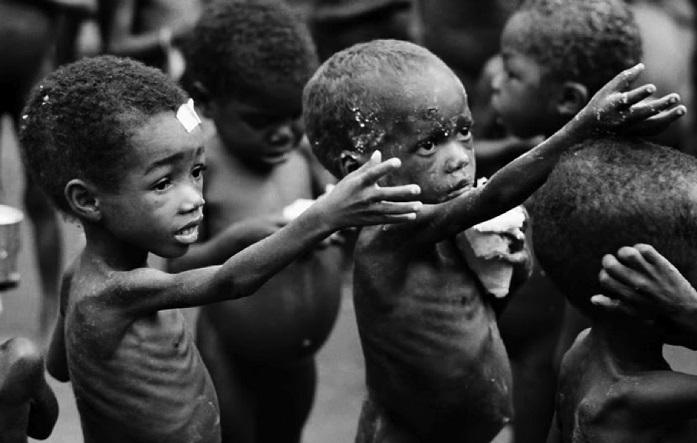Aç yatan insanlar