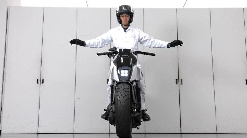 Honda devrilmeyen motosiklet