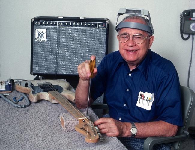 Elektrogitar'ın mucidi Leo Fender
