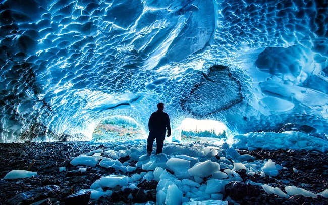 Mendenhall buz mağaraları