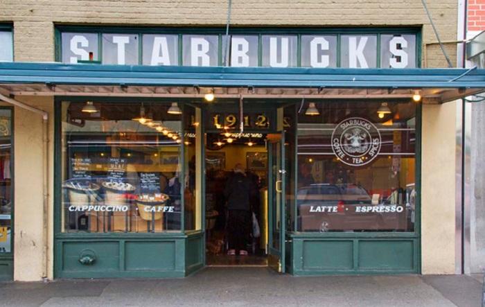 İlk Starbucks