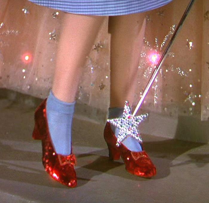 Oz Büyücüsü kırmızı ayakkabılar