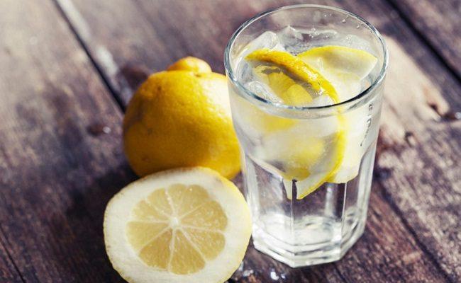 her sabah limonlu su içmenin faydaları