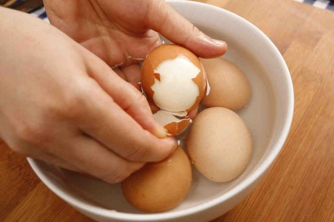 kaynamış yumurta nasıl kolay soyulur