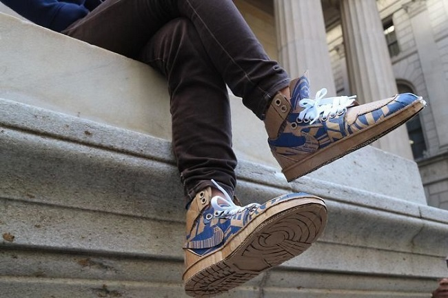 Karton Kutudan Ayakkabı