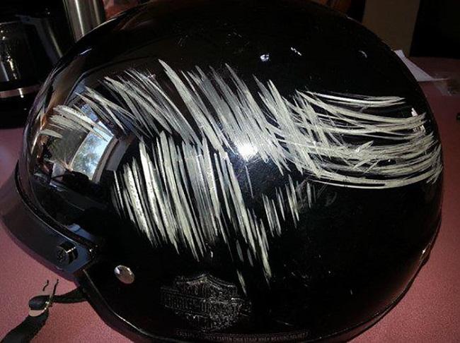 kaza sonrası motosiklet kaskı